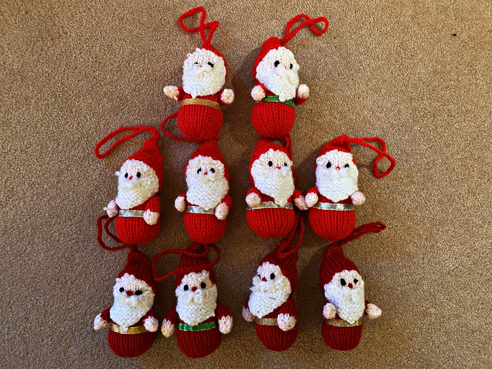SALE! Yo ho ho - 10 little knitted Santas to hang on your tree