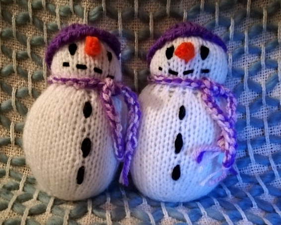 Snowmen twins - chilly chums