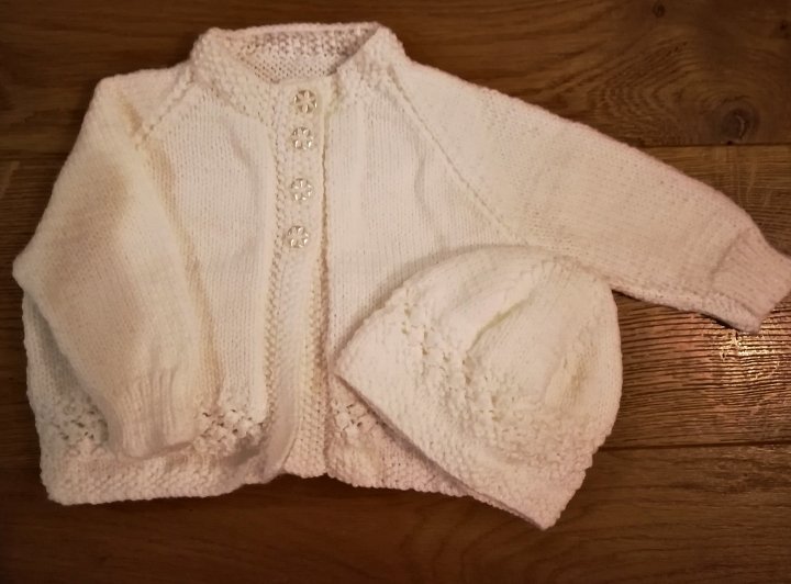 Banburyshire's best-dressed baby... wears this gorgeous hand-knitted matinee outfit