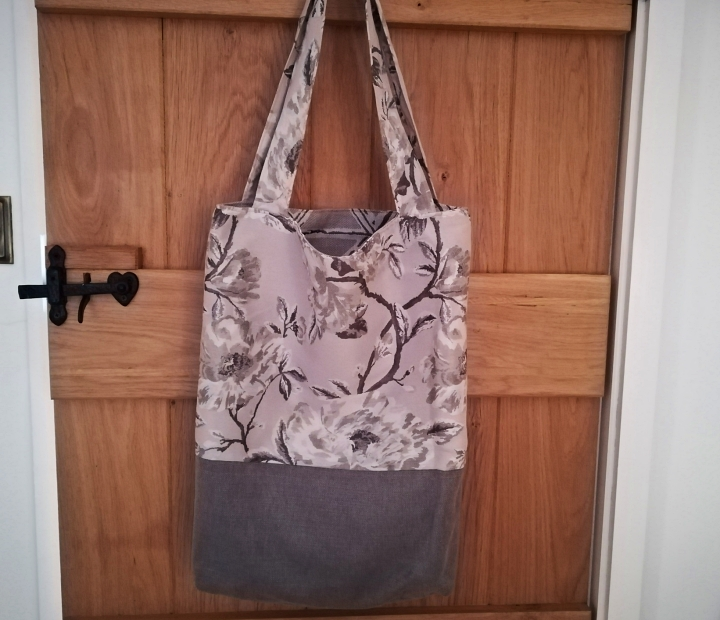 Grey two-tone tote bag - ideal for Christmas shopping!