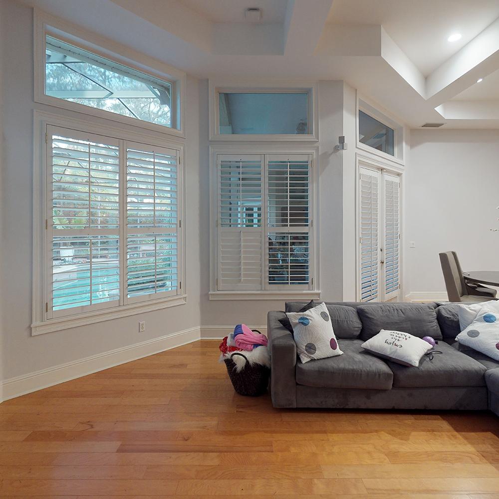 20-0054-Wtr-Living-Room
