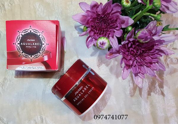 Shiseido Aqualabel đỏ