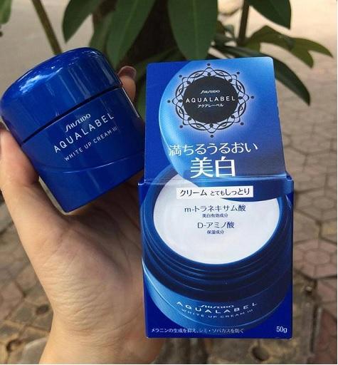 Kem dưỡng Aqualabel xanh