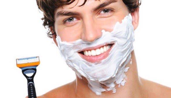 Nam giới có nên dùng kem cạo râu hay không?