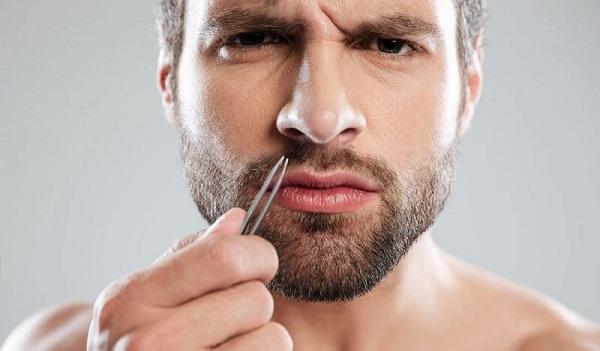 Có nên tự ý nhổ râu không?