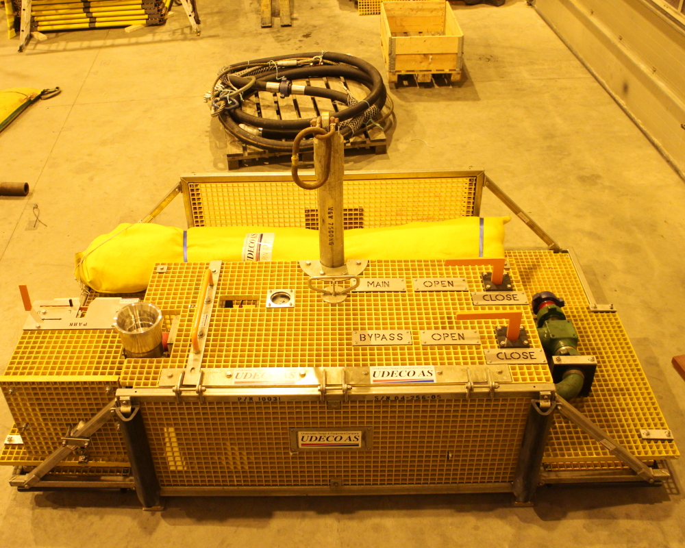 Subsea manifold/valve assembly basket.