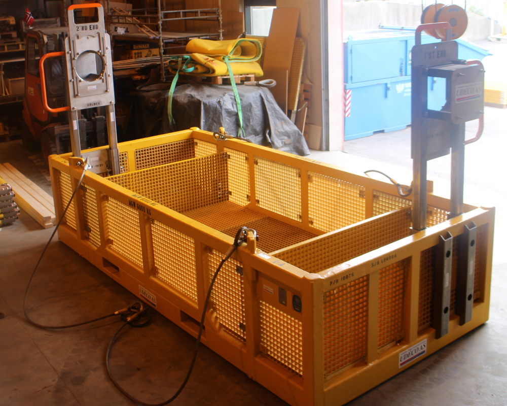 Ubas G ROV basket configured for hydraulic and electrical/optical flying lead installation.