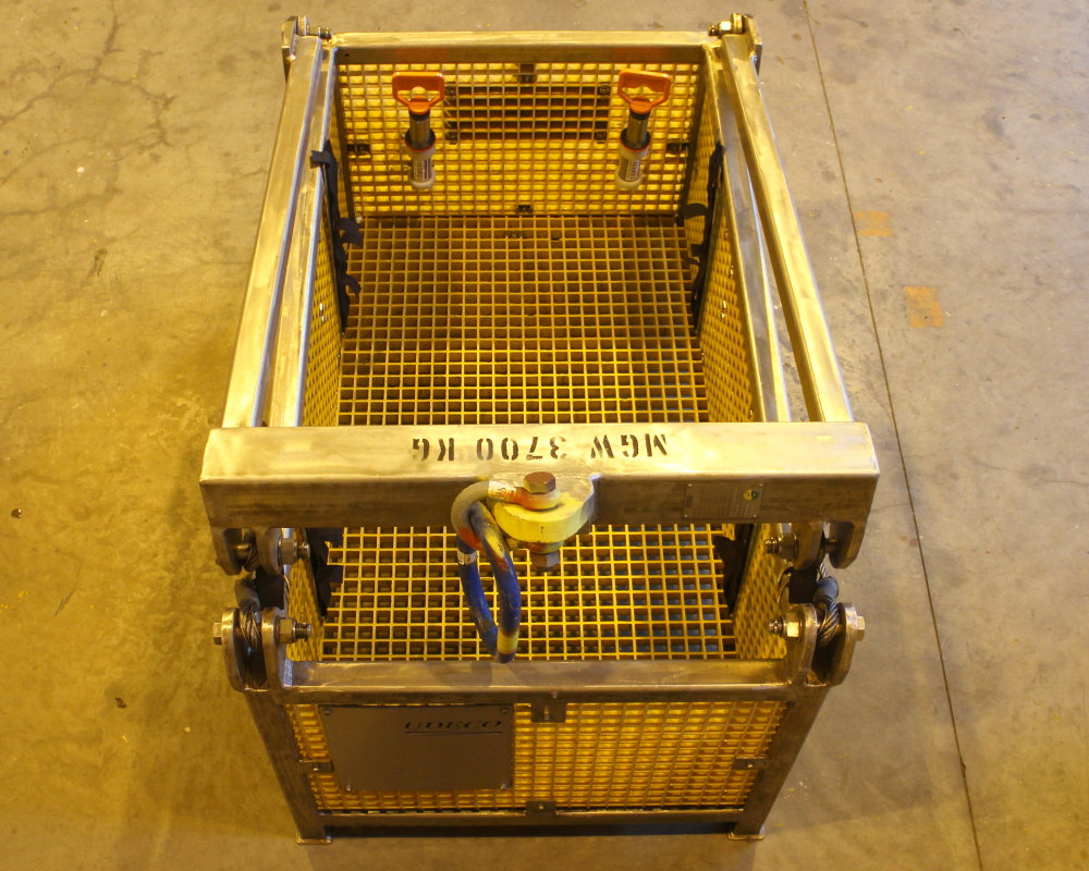 Ubas D ROV basket configured for electrical and optical flying lead installation.