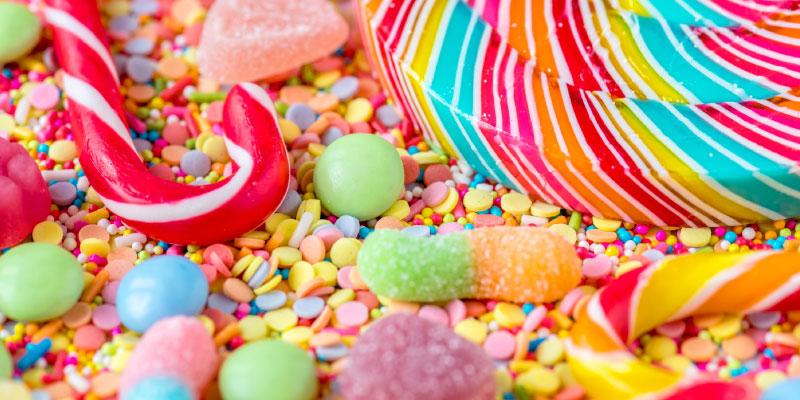 Plein de bonbons de toutes les couleurs