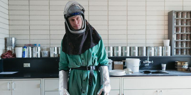 Chimiste dans un laboratoire