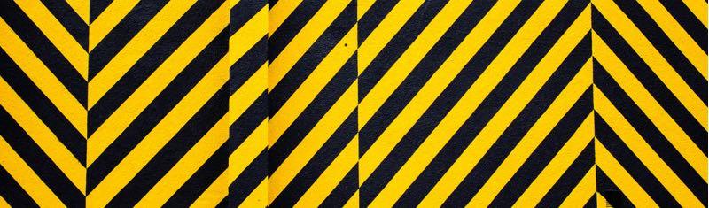Panneau rayé jaune et noir