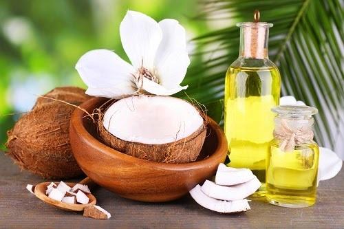 sử dụng dầu dừa trị rạn da