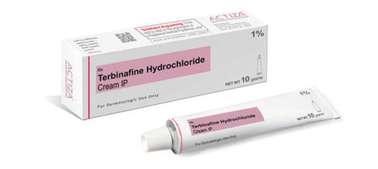 bị nước ăn chân cần bôi thuốc Terbinafine