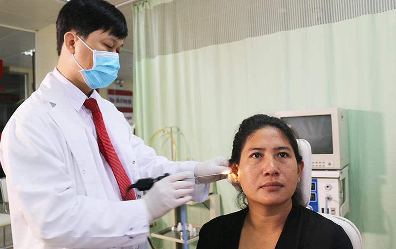 phòng bệnh viêm tai giữa người lớn