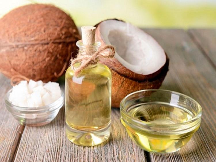 viêm da cơ địa bằng dầu mù u kết hợp với dầu dừa