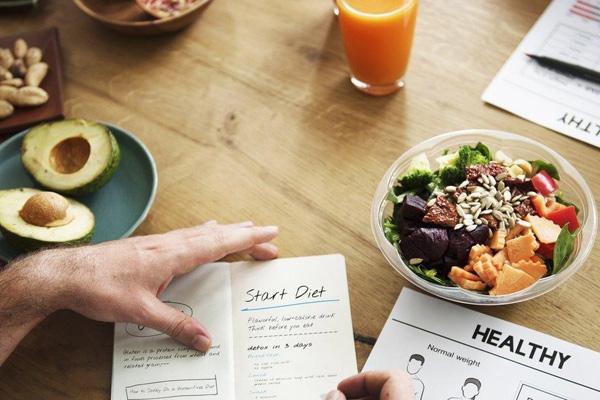 Cắt giảm tinh bột trong một số bữa ăn giúp giảm mỡ nam
