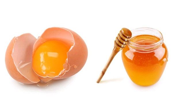 Cách khiến cho hồng đầu vú bằng mật ong và lòng đỏ trứng gà