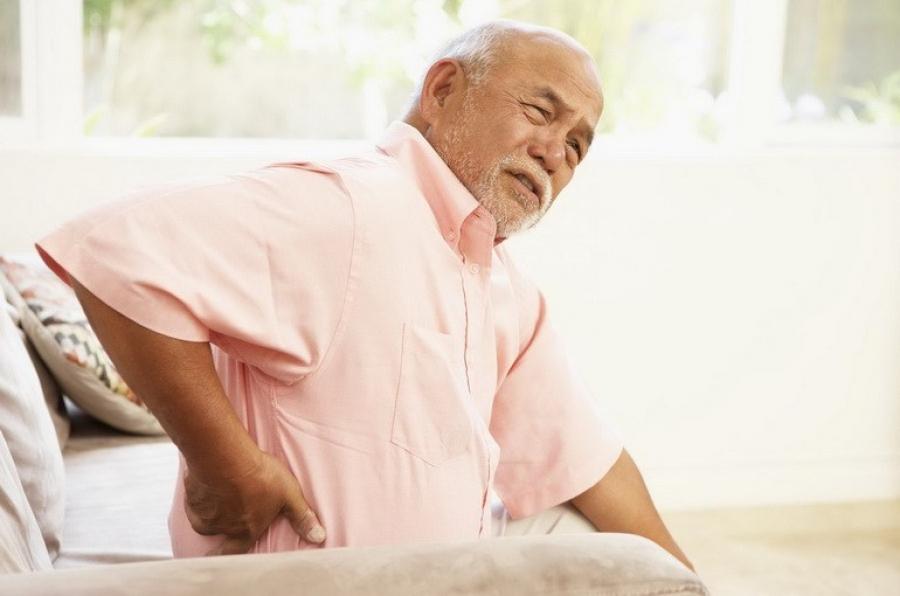 Đau nhức xương khớp ở người già có chữa trị được không