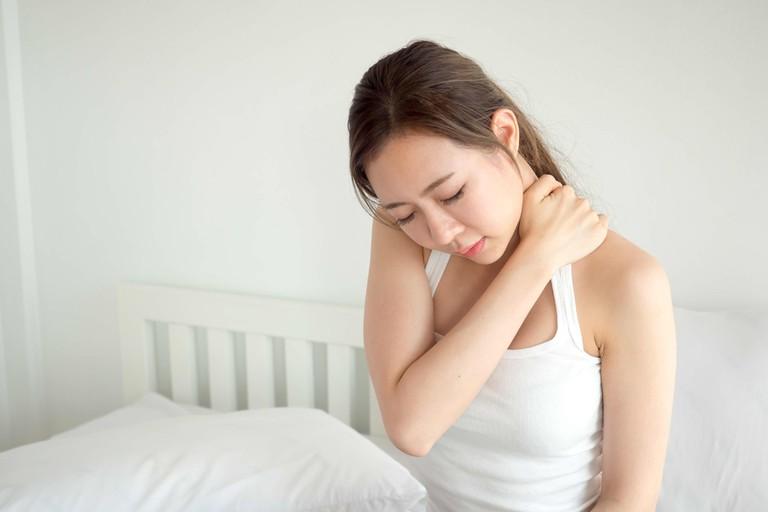 Nhận biết biểu hiện của đau vai gáy