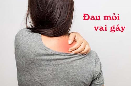 Cần làm gì khi bị đau vai gáy trái phải