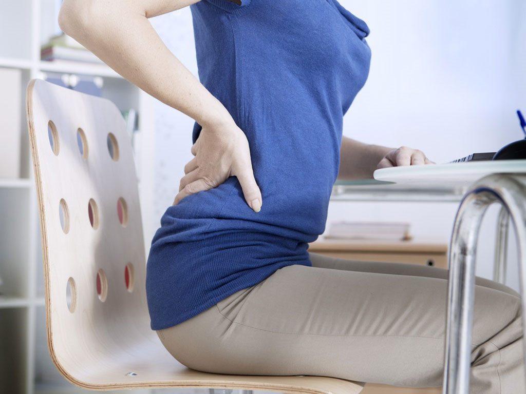 Đau lưng dưới là triệu chứng của bệnh gì?