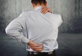 Đứng lâu bị đau lưng là bệnh gì