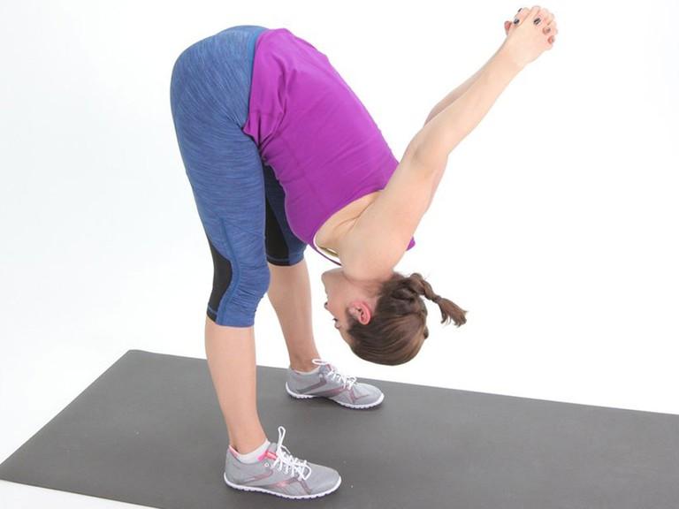 Giãn gân kheo giảm đau lưng
