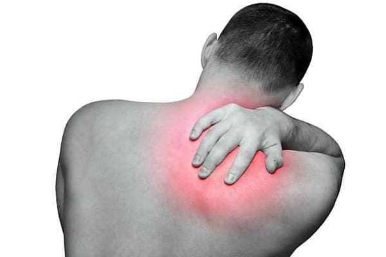 Những bệnh về xương khớp dẫn tới lưng đau