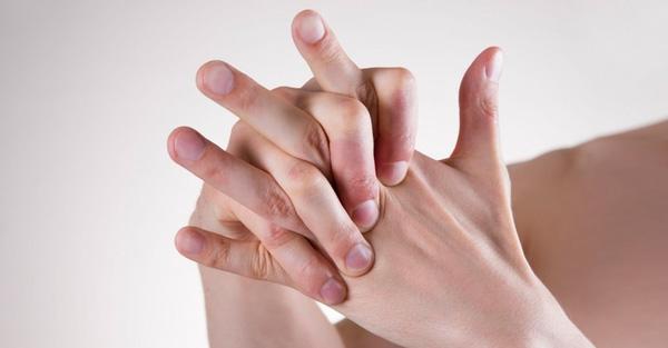 Đầu ngón tay bị tê như kim châm là bị gì?
