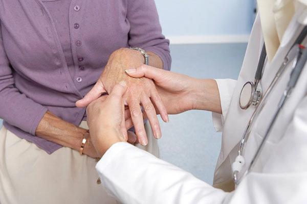 Chèn ép thần kinh trụ ở khuỷu tay gây tê tay