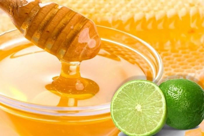 Giảm ngứa với mật ong và chanh tươi