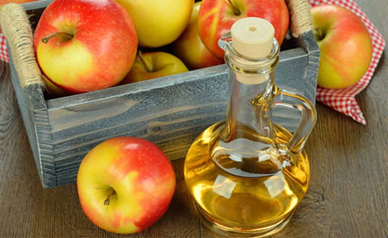 Giấm táo + chanh chữa trị gàu hiệu quả