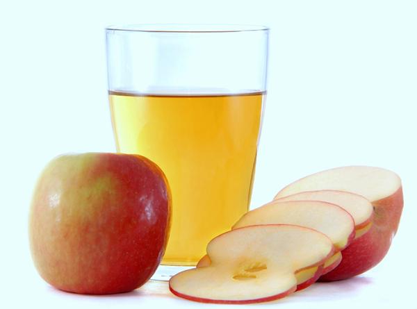 Giấm táo + baking soda trị gàu