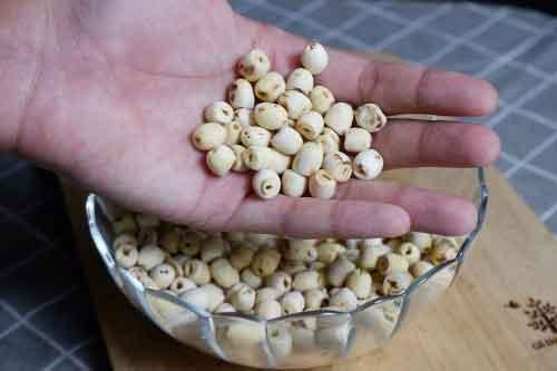 Hạt sen khô làm món gì