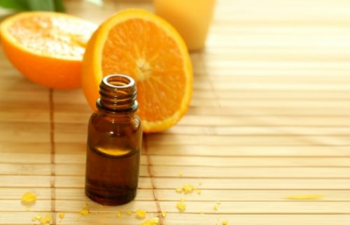 tinh dầu cam diệt mối mọt