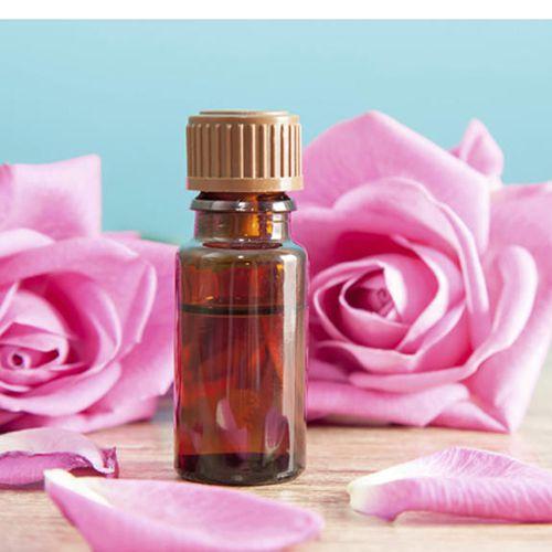 Tinh dầu hoa hồng dưỡng da