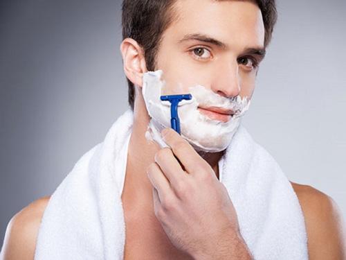 Cách triệt râu cho nam tận nơi bằng wax râu
