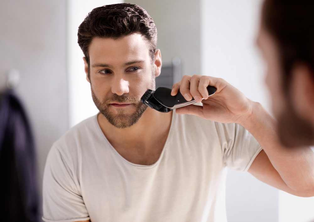 Cách triệt râu tại nhà bằng cách cạo