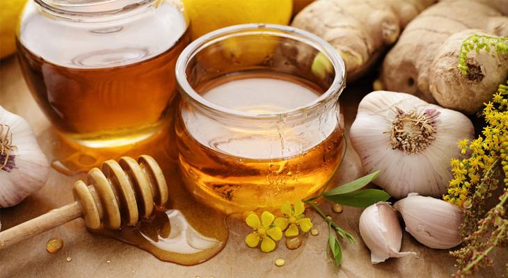 tỏi ngâm mật ong trị đau họng