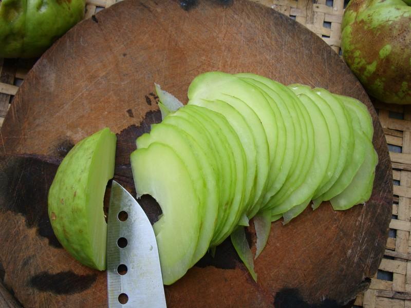hình ảnh quả tai chua cắt lác