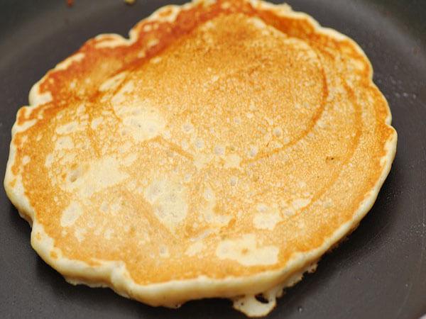 Rán bánh pancake chuối