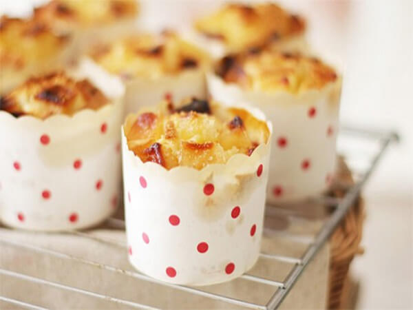 Nướng bánh muffin táo