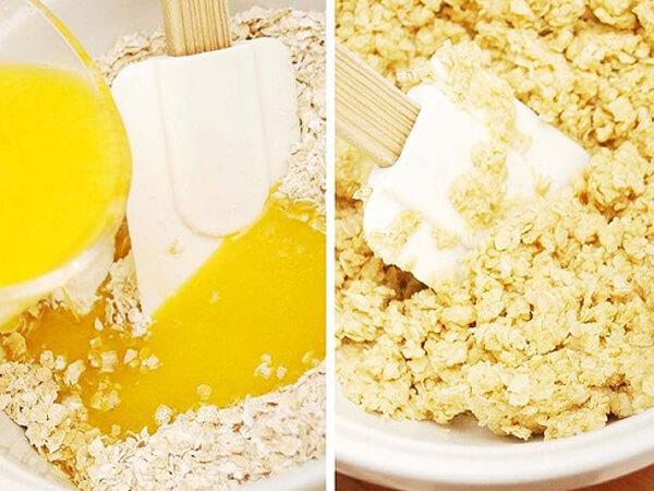 Trộn bột bánh ngũ cốc mứt dâu