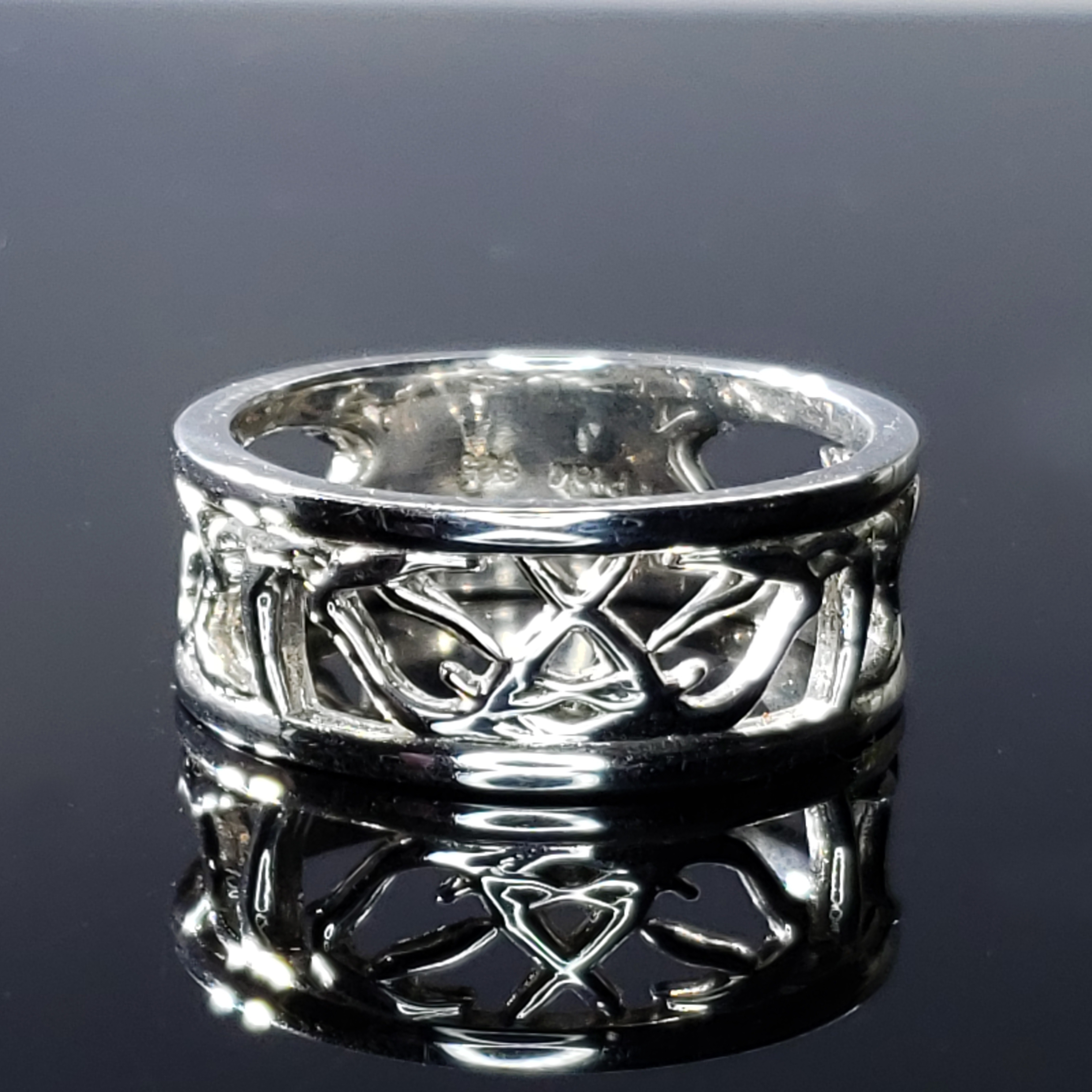 Antlered Deer Antler Ring-10mm
