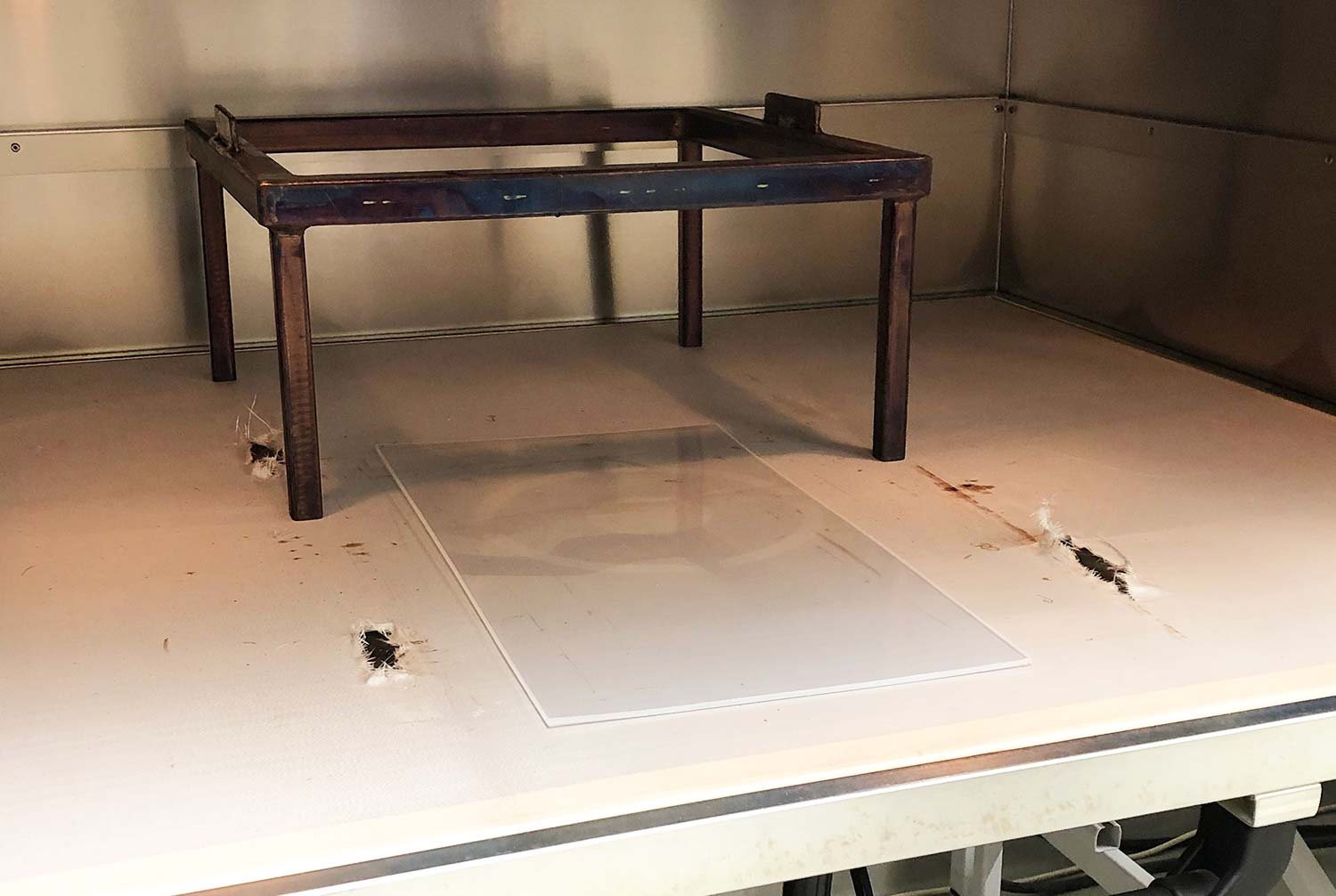 Heating high-temperature thermoplastic sheet in infrared oven