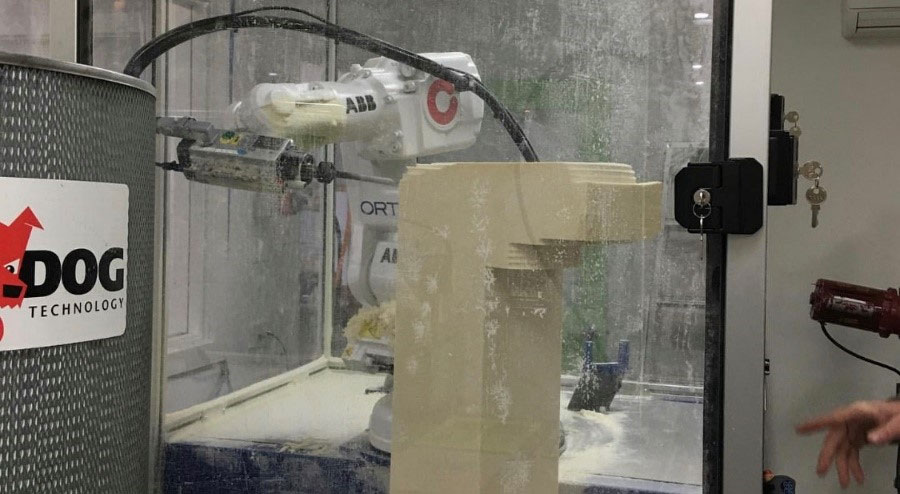 Roboticom carver in action at Massons Healthcare, Melbourne