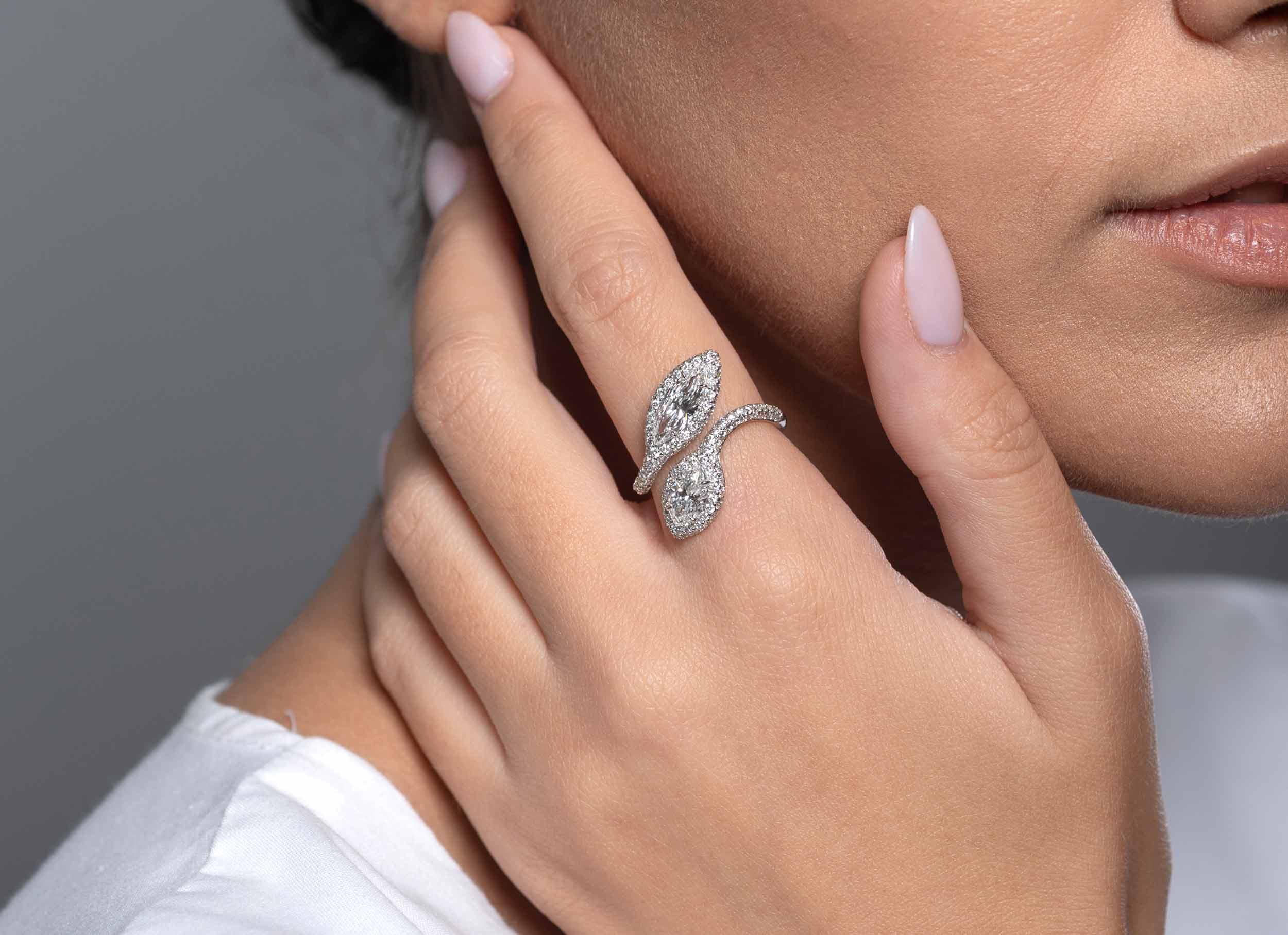 Μονόπετρο Δαχτυλίδι Κ18 Λευκόχρυσο Με Marquise Διαμάντια