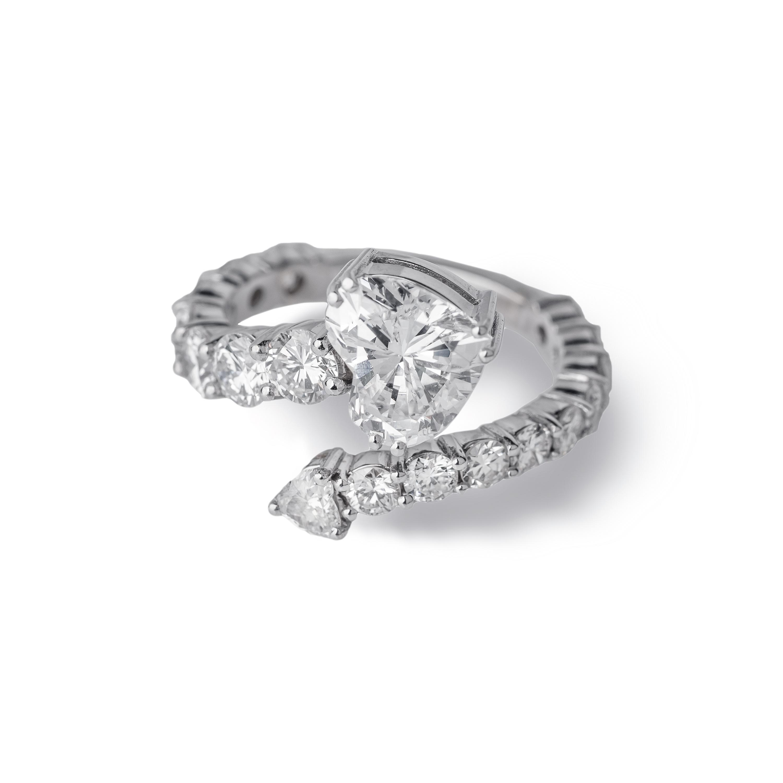 Μονόπετρο δαχτυλίδι Κ18 λευκόχρυσο με heart cut διαμάντι
