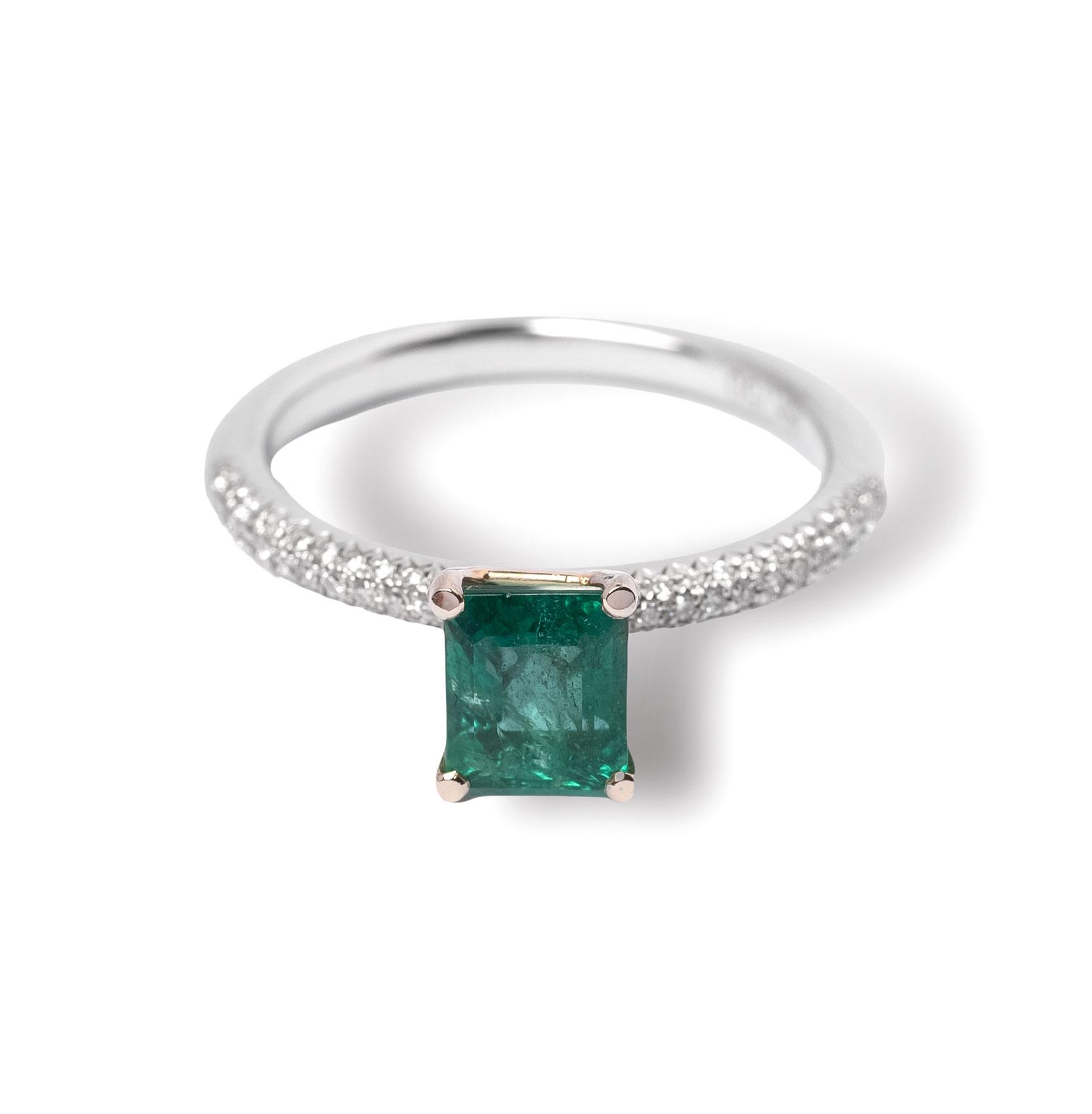 Δαχτυλίδι λευκόχρυσο Κ18 με σμαράγδι και διαμάντια