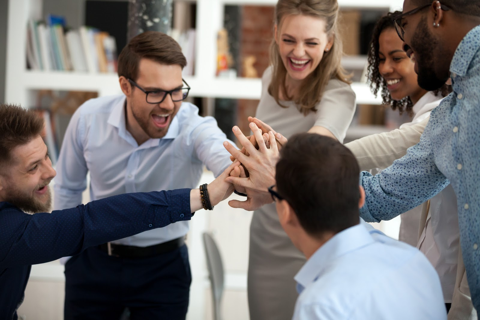 soft skills in the workplace: team cheering